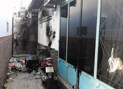 Căn nhà ở Sài Gòn liên tục bị đập phá, tạt sơn