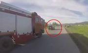 Chỉ một phút thôi - làm ơn hãy nhường đường cho xe cứu hỏa