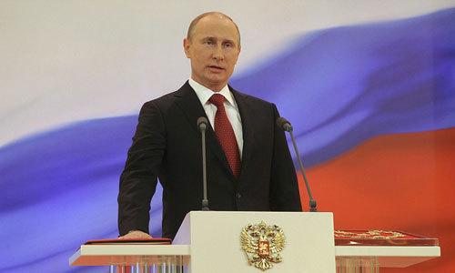 Putin - từ tổng thống tạm quyền đến 'người bảo vệ pháo đài Nga'