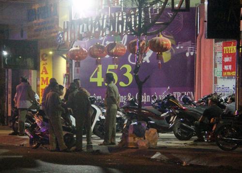 Nam thanh niên tử vong sau ẩu đả ở phòng trà Sài Gòn