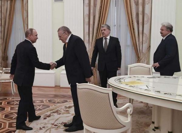Putin gặp các ứng viên tổng thống. Ảnh: