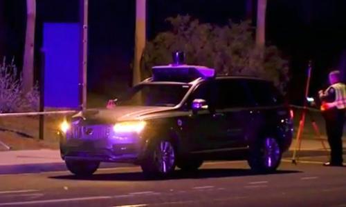 Xe tự lái Uber trong thành phố Tempe, Mỹ. Ảnh: ABC15.