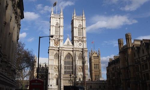 Tu viện Westminster là nơi chôn cất nhiều nhà khoa học nổi tiếng. Ảnh: BBC.
