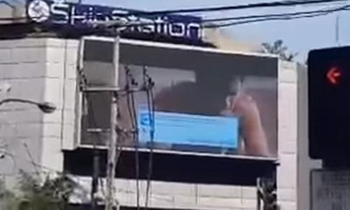 video-khieu-dam-xuat-hien-giua-duong-pho-philippines