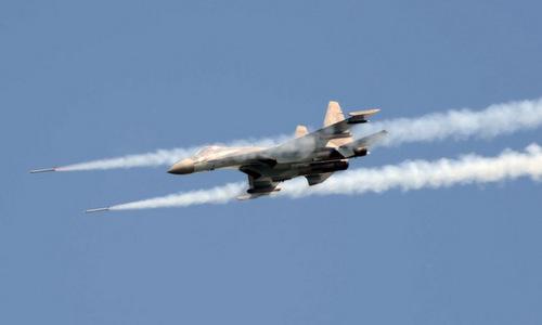 Tiêm kích Nga diễn tập phóng tên lửa diệt mục tiêu xâm phạm không phận