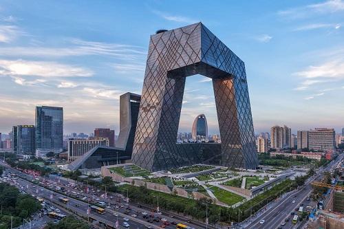 Trụ sở đài truyền hình trung ương Trung Quốc ở Bắc Kinh. Ảnh: Reuters.