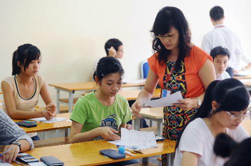 Giáo viên cần đạt 5 tiêu chuẩn và 15 tiêu chí. Ảnh minh họa: HH