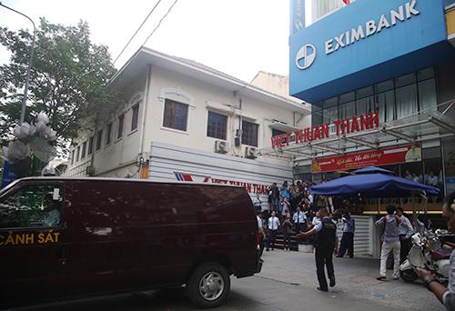 Cần khách xà © t Eximbank TP HCM.  Cảm ơn: Quá »?? c Thắng.