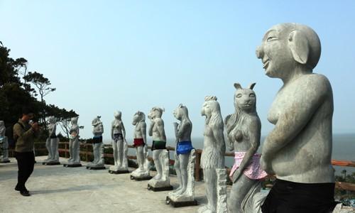 Bộ tượng 12 con giáp khỏa thân ở Hải Phòng gây ý kiến trái chiều