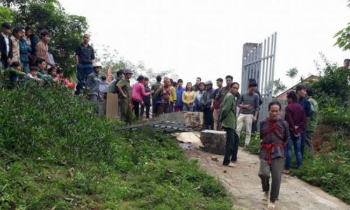 Cổng trường đổ sập, một học sinh tử vong