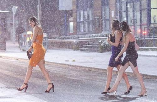 Khi thời trang lại phang bay thời tiết.