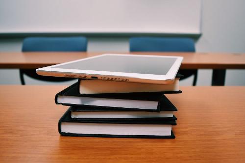 AI sẽ hỗ trợ nhiều cho việc giáo dục trong tương lai. Ảnh: Pixabay.