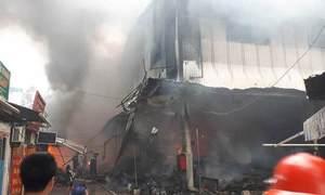Chợ Quang rộng hơn 1.000 m2 cháy rụi ở Hà Nội