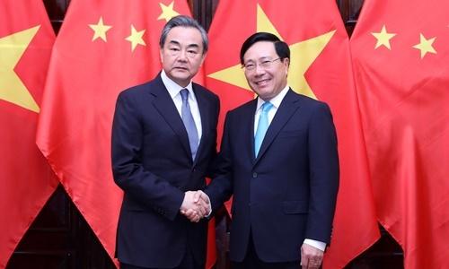 Việt - Trung nhất trí phát triển ổn định quan hệ song phương