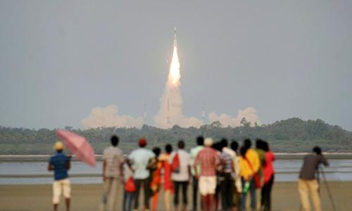 Vệ tinhGSAT-6A được phóng lên hôm 29/3. Ảnh: AFP.