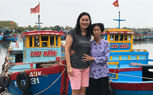 Mỹ Hương và mẹ đẻ Hồ Thị Tuyết.