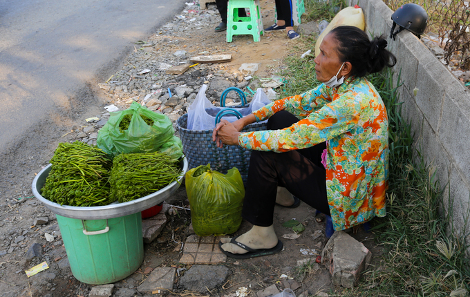 Đặc sản miền Tây trên vỉa hè Sài Gòn
