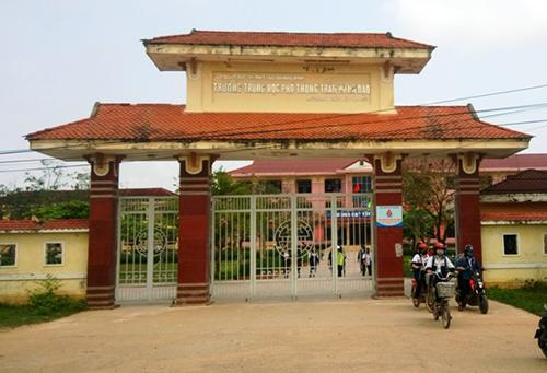 Trường THPT Trần Hưng Đạo, nơi xảy ra sự việc nam sinh đâm thấu bụng giáo viên chủ nhiệm. Ảnh: Ph.Th