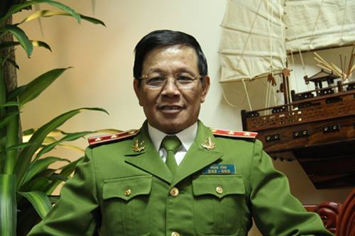 Cựu tổng cục trưởng Tổng cục Cảnh sát bị cáo buộc phạm tội như thế nào?