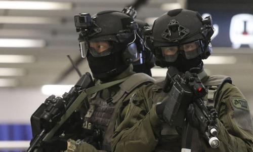 Đặc nhiệm vũ trang hạng nặng bảo vệ Duterte thăm Hong Kong