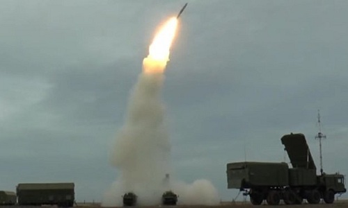 Tên lửa S-400 Nga khai hỏa trong một lần thử nghiệm. Ảnh: Sputnik.