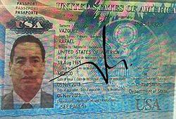 Rafael Vazquez Flores vào Việt Nam được giới thiệu có nguồn tài chính nhiều tỷ USD. Ảnh: Công An cung cấp.