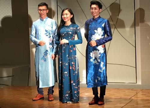 Phương Linh trong lễ ra mắt đoàn Việt Nam tham gia SSEAYP tại Nhật Bản. Ảnh: NVCC