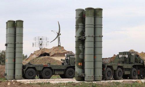 Tên lửa phòng không S-400 của Nga tại Syria. Ảnh: Sputnik.