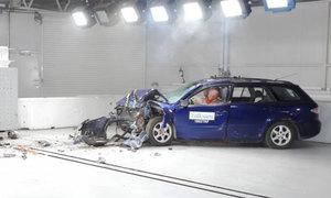 Thử nghiệm độ an toàn của ôtô cũ 10 năm tuổi
