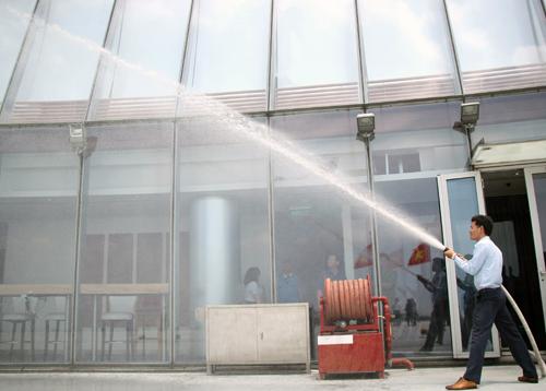 TP HCM kiểm tra PCCC tại hàng trăm tòa nhà, khách sạn 5 sao - ảnh 1
