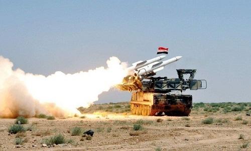 Syria bắn hạ tên lửa nhắm vào căn cứ không quân