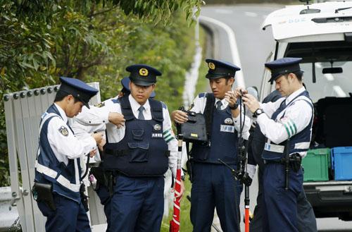 Nhật huy động 6.000 cảnh sát truy bắt phạm nhân gương mẫu - ảnh 1