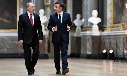 """Tổng thống Pháp: """"Tôi ngang cơ với Putin"""""""