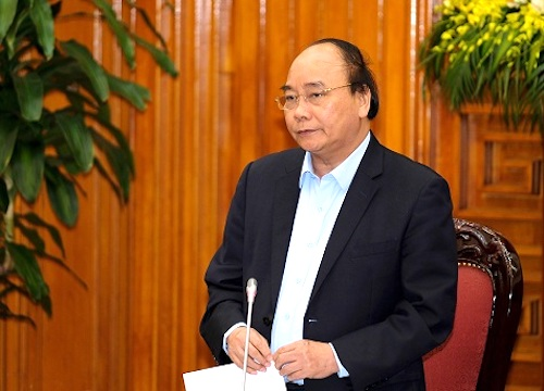 Thủ tướng Nguyễn Xuân Phúc tại buổi làm việc chiều 18/4. Ảnh: VGP