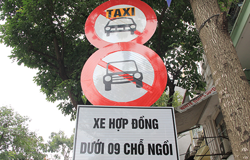 doanh-nghiep-kien-nghi-bo-bien-cam-taxi-tren-pho-ha-noi