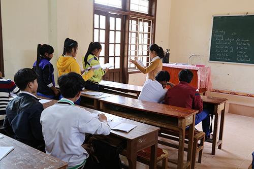 Nhiều học sinh bỏ học vì học lực yếu, gia cảnh khó khăn. Ảnh: Hoàng Táo