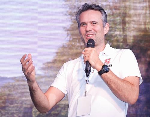 Ông Joris Janssen - Giám đốc Marketing tập đoàn AB Inbev tại Đông Nam Á tự tin vào khả năng chinh phục thị trường Việt của bia lúa mạch Becks Ice.