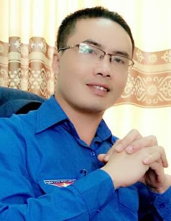 Thầy Linh năm nay 40 tuổi, có 4 năm làm hiệu trường THCS Kim Liên.