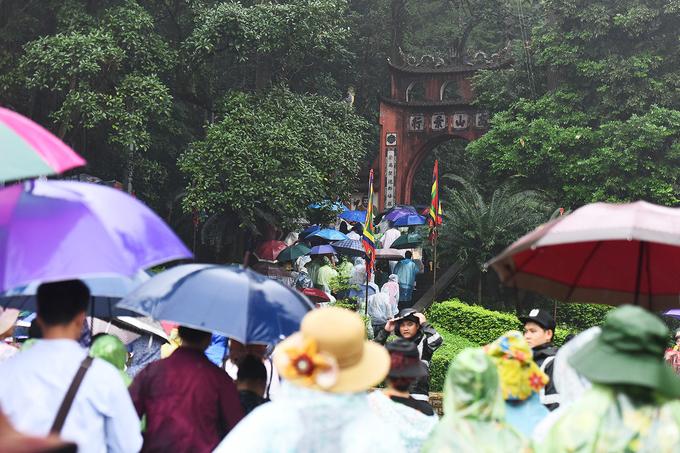 Hàng chục nghìn người dâng hương Giỗ tổ vua Hùng