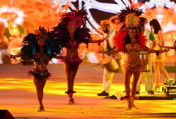 Hạ Long huyền ảo trong đêm Carnaval