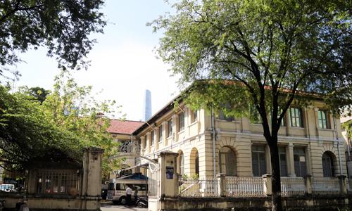 Tòa nhà 130 tuổi ở Sài Gòn có nguy cơ bị phá bỏ