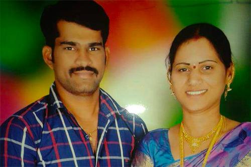Swathi và người chồng bị cô sát hại.