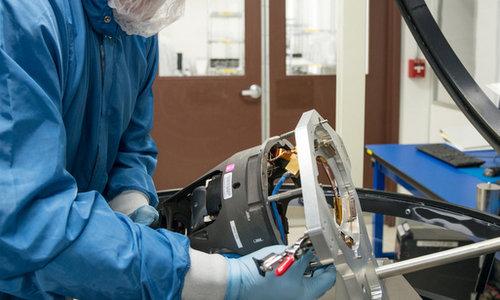 Đầu dò tên lửa trong phòng thí nghiệm của BAE Systems. Ảnh: Pinterest.