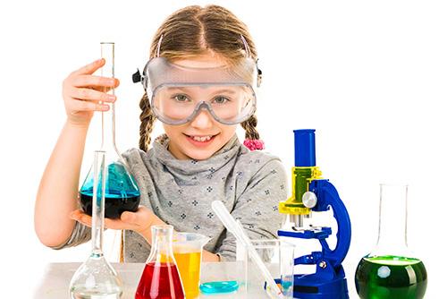 Năm cách giúp trẻ yêu khoa học hơn