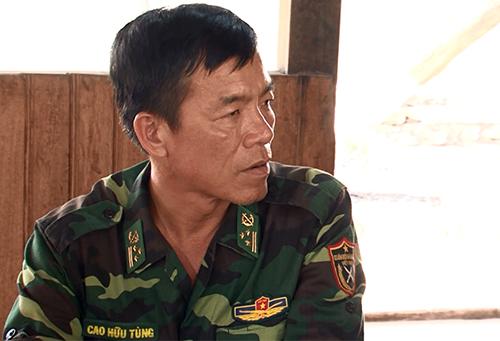 hượng tá Cao Hữu Tùng, Đồn trưởng Đồn Biên phòng 747, một trong 4 sĩ quan bị đình chỉ. Ảnh: Thiện Nhân.