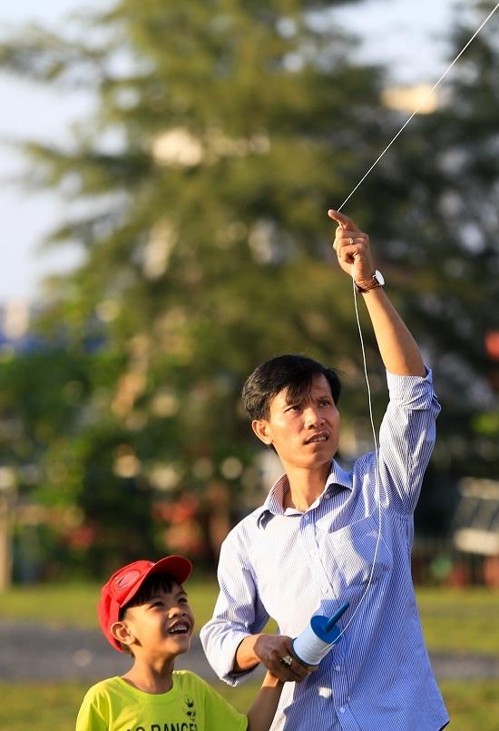 Cánh đồng diều nhộn nhịp ở nội thành Sài Gòn