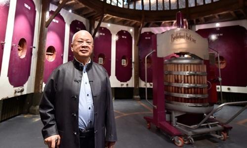 Tỷ phú Trung Quốc mua 7 nhà máy sản xuất rượu vang trên đất Pháp