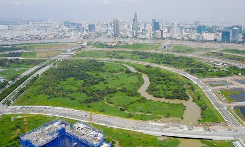 Bản đảo Thủ Thiêm nhìn về hướng quận 1. Ảnh: Quỳnh Trần