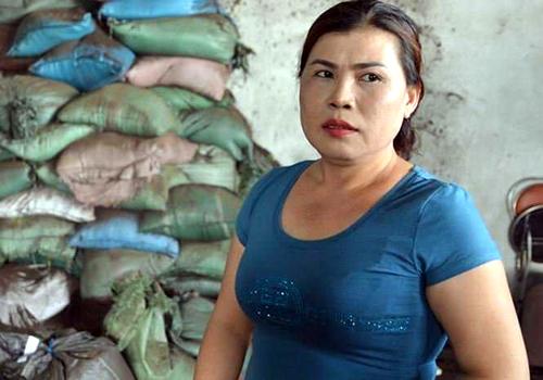Bà Nguyễn Thị Thanh Loan, chủ cơ sở sản xuất phế phẩm cà phê. Ảnh: Thiện Nhân.