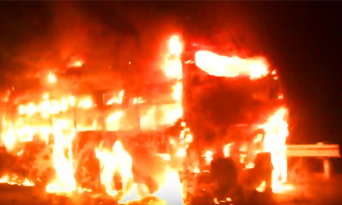 Thêm ôtô khách cháy trên cao tốc TP HCM -Trung Lương